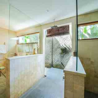 Villa Iluh Master Bathroom