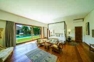 Villa Iluh Master Bedroom(2)