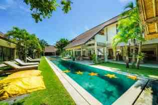 Villa Kadek Swimming Pool
