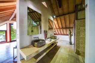Villa Iluh Bathroom 4