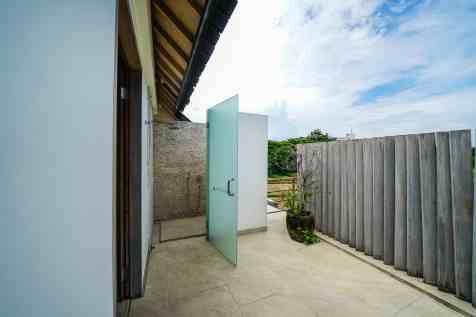 Villa Kadek Bedroom 4 Bathroom(3)