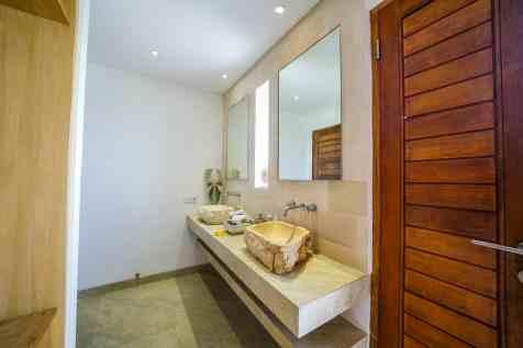 Villa Kadek Bedroom 5 Bathroom