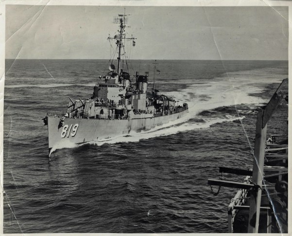 04-USSHolder