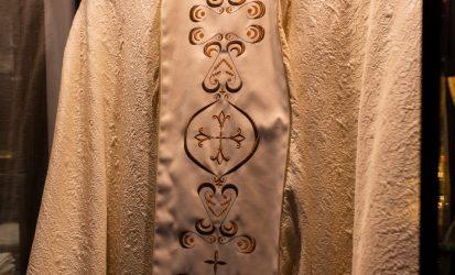 ropa litúrgica 2