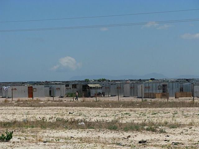 Delft, Symphony Way TRA. An estimated 1000+ structures. Known as Plekkiesdorp (Tin Town).