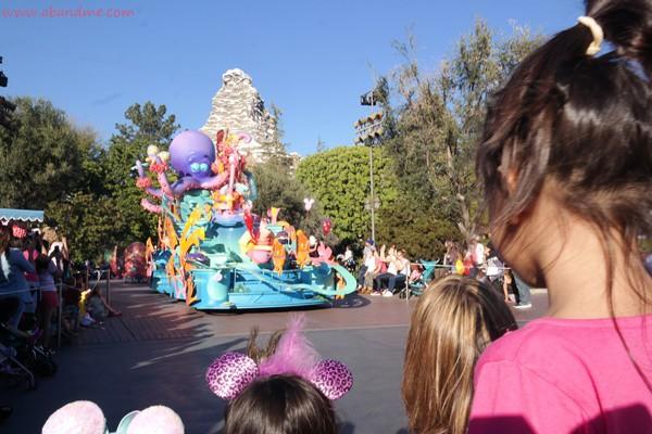 abandme_disneyland park_parade