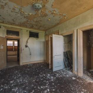 310 West Church Street Apartments | Photo © 2016 Bullet, www.abandonedfl.com
