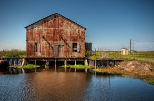 Sugarland District Pump House | Photo © 2011 Bullet, www.abandonedfl.com