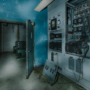 AT&T Switching Equipment Nuclear Bomb Shelter | Photo © 2013 Bullet, www.abandonedfl.com