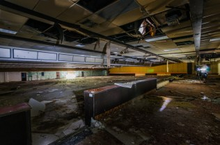 Port Malabar Bowling Center | Photo © 2014 Bullet, www.abandonedfl.com