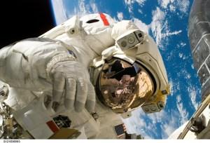 Astronauta en paseo espcial
