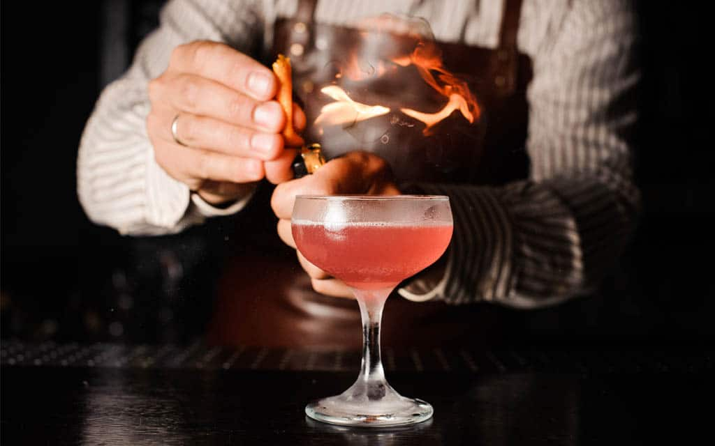 How to Become A Leader Behind The Bar