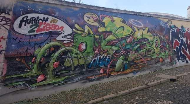Street art lisbona