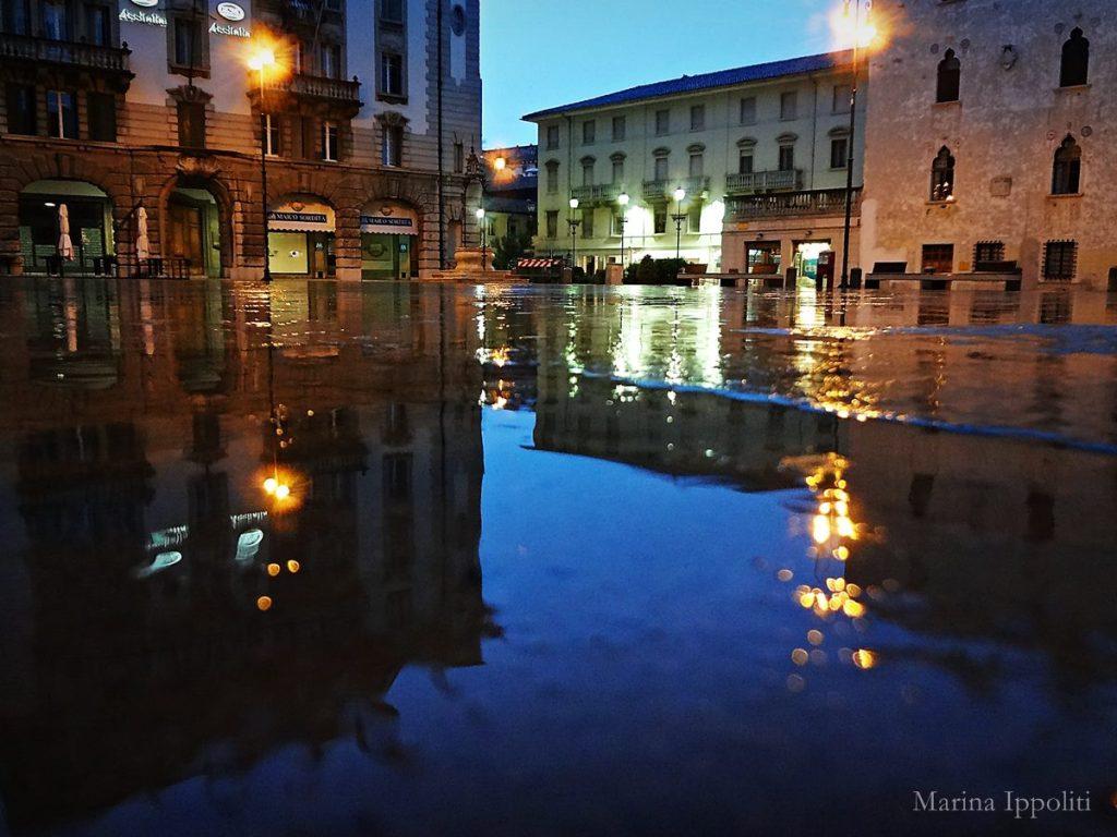 Marina Ippoliti riflessi di Piazza XX Settembre