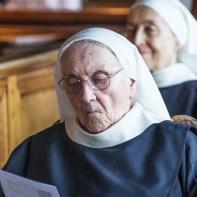 Sœur Thérèse durant l'office