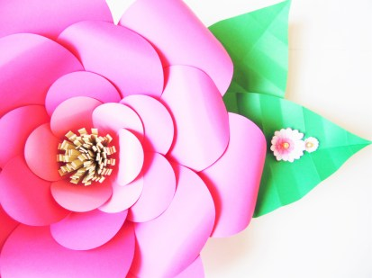 How to make large paper flowers easy diy giant paper flower large paper flower templates mightylinksfo