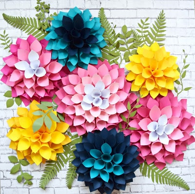 How to make giant paper dahlias. Paper flower templates. DIY Giant Dahlia Paper Flowers: How to Make Large Paper Dahlias