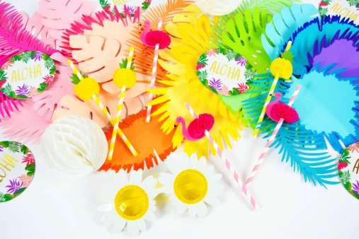 DIY Flower Table Runner: Ombre Rainbow Paper Flower Table Runner