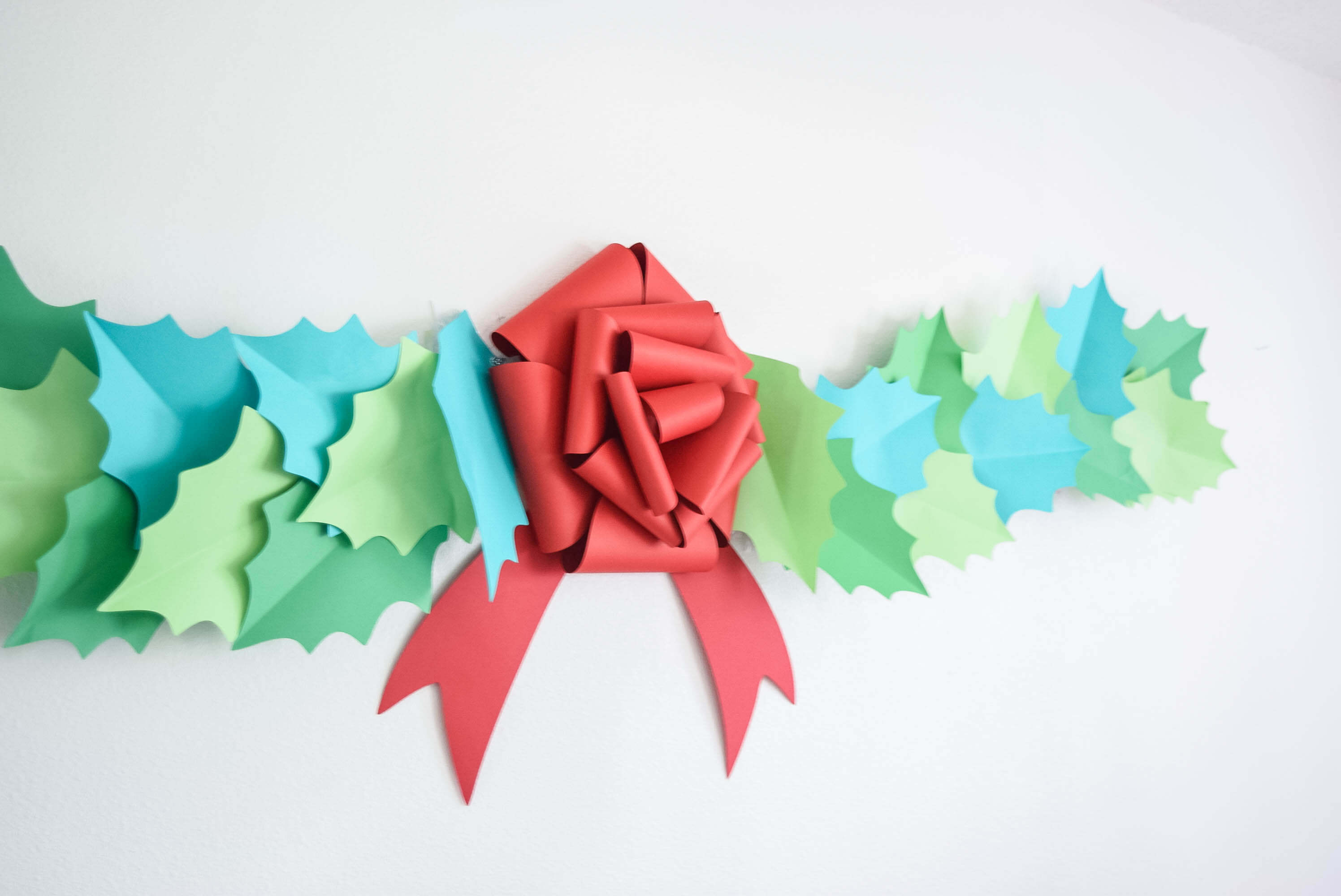 Christmas Bow Template: DIY Giant Paper Gift Bow Tutorial