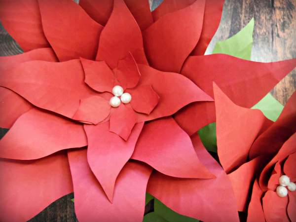 DIY paper poinsettia flowers