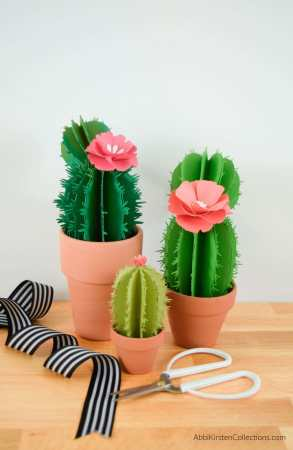 DIY easy cactus craft tutorial and templates. How to make ferocactus, prickly pear, and aloe vera plants for your home.
