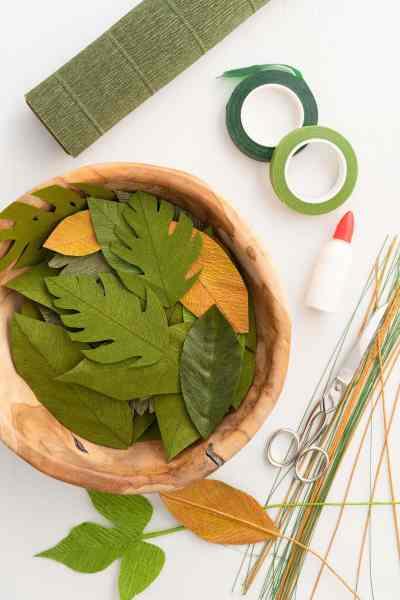 Crepe leaf paper crafts