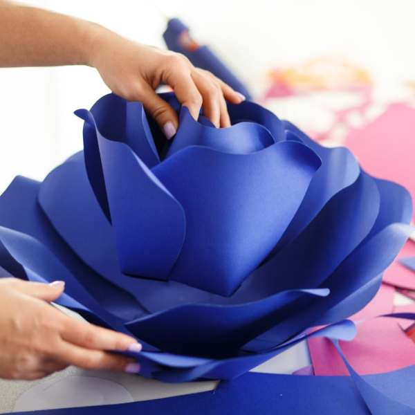 DIY paper flower tutorial. Giant paper flower templates for Cricut. Small paper flower templates for arrangements and bouquets.