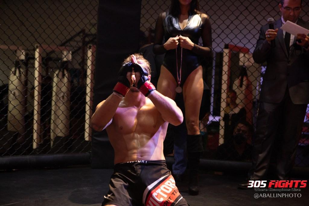 305 FIGHTS 9_26 WM-079