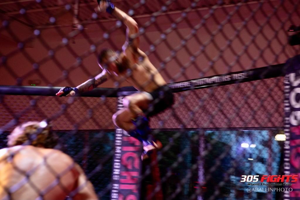 305 FIGHTS 9_26 WM-141