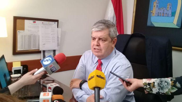 Senador Enrique Riera.