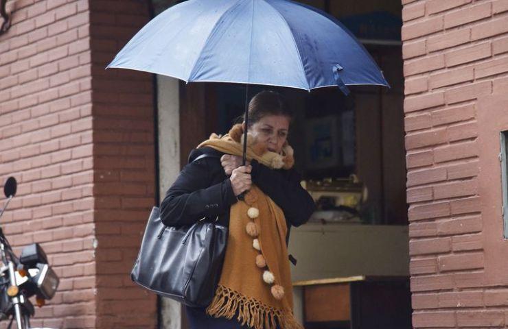 Para hoy se prevén lluvias dispersas en Asunción y temperatura mínima de 8 °C. Para el fin de semana las temperaturas oscilarían entre los 2 °C y  4 °C, en gran parte del país.