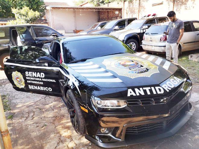 Vehículo de alta gama propiedad del preso por presunto narcotráfico, Reinaldo Cabaña, alias Cucho. El auto es administrado por la Senabico para la Senad.