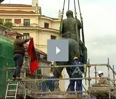 Retirada la estatua de Franco de la plaza del ayuntamiento de Santander