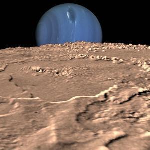 Neptuno devoró un planeta dos veces mayor que la Tierra y le robó su luna