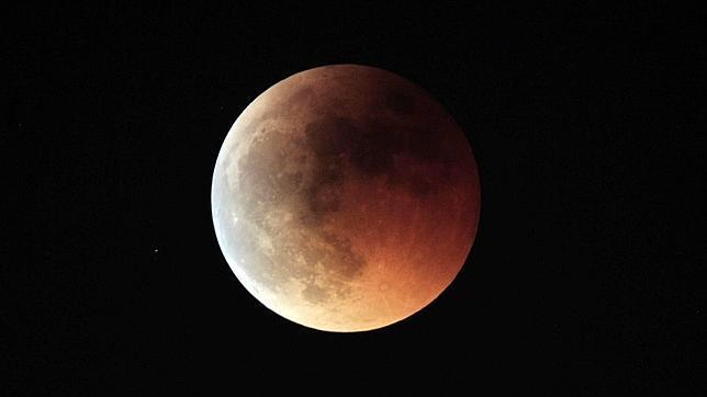 Dos horas de luna roja