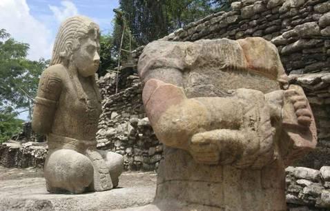 Halladas en México dos esculturas mayas de 1.300 años de antigüedad