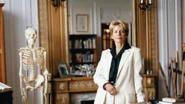 Patricia Cornwell:  «La ciencia no resuelve crímenes; son las personas quienes lo hacen»