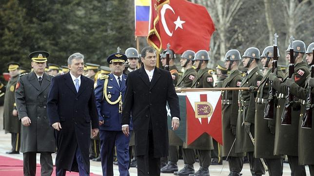 Correa boicotea la Cumbre de las Américas por la ausencia de Cuba