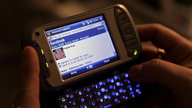 Las redes sociales, entre la influencia, la adicción y el narcisismo