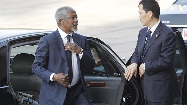 Siria acepta el plan de Kofi Annan para detener la represión