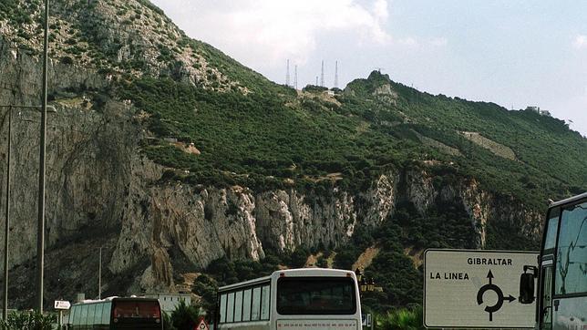 Nuevo enfrentamiento entre lanchas policiales en aguas de Gibraltar