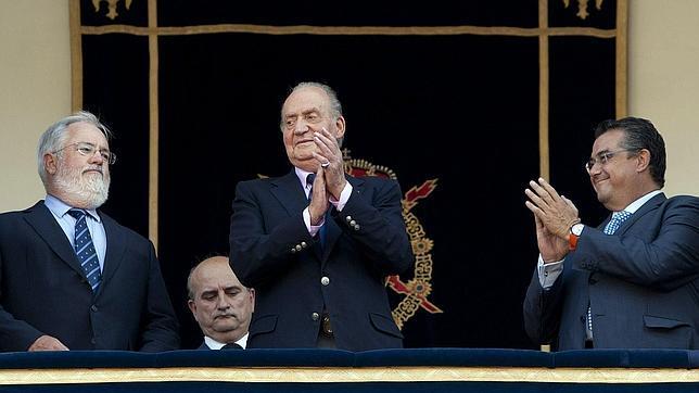El Rey presidió la corrida del bicentenario de La Pepa