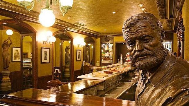 Cafés literarios: beber en la taza de la cultura