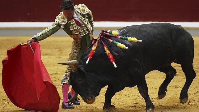 Urdiales triunfa con un un gran victorino en Logroño