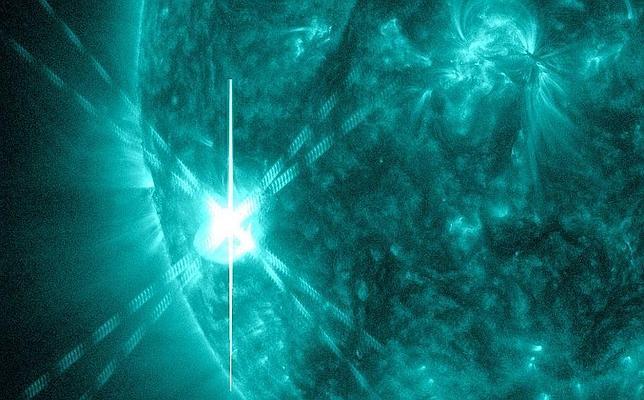 Una llamarada solar muy potente alcanza la Tierra