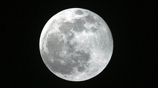 Un meteorito pudo provocar que las dos caras de la Luna sean diferentes