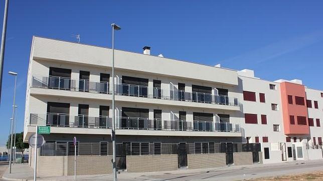 Un promotor madrileño cede gratis 25  viviendas a desahuciados en Valencia