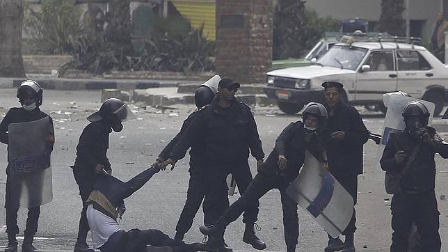 Egipto otorga poderes extraordinarios al Ejército para poder detener a civiles
