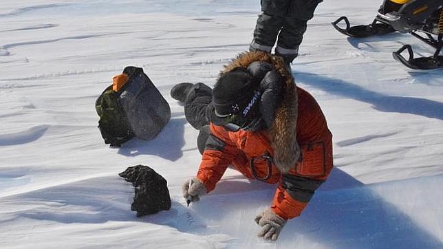 Hallan un enorme meteorito de 18 kilos en la Antártida