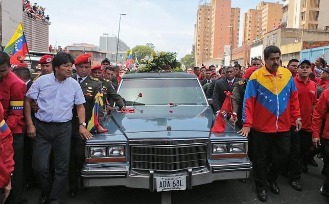 Maduro aparta a su rival Cabello de la sucesión